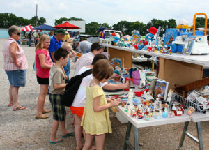 South Drive In Flea Market The Largest Outdoor Yard And Garage Sale